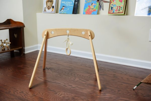 arch-toy-with-the-ring